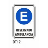 Cartel reservado ambulancia