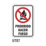 Cartel prohibido hacer fuego